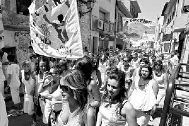 La juventud manda en las calles de Carcastillo