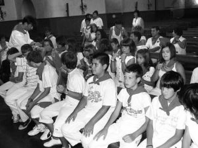 Procesión y homenajes de la cofradía de San Esteban Chiqui en el Día del niño