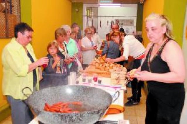 500 tafalleses en una jornada promocional en el mercado