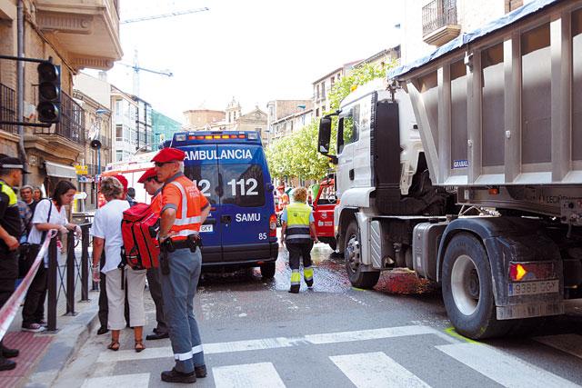 Fallece una mujer atropellada por un camión en un paso de peatones de Tafalla