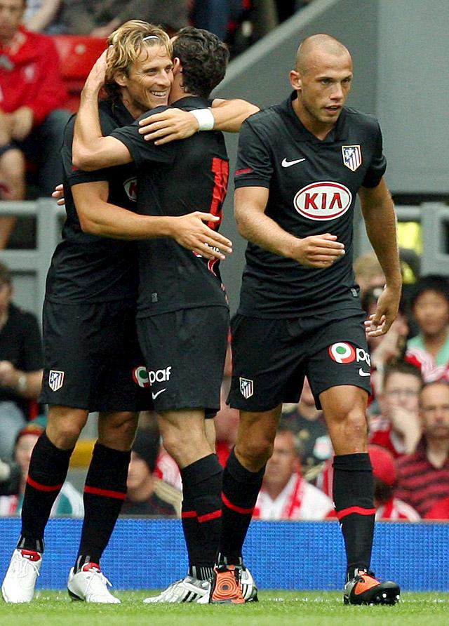 El Atlético vence (1-2) al Liverpool mostrando una gran imagen en Anfield