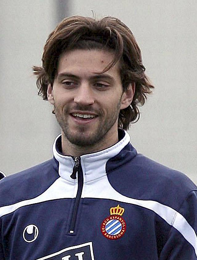 El capitán del Espanyol, Dani Jarque, fallece de un ataque al corazón