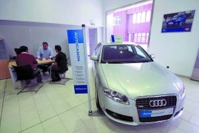 Las ayudas del Plan Renove frenan la venta de coches usados en los concesionarios navarros