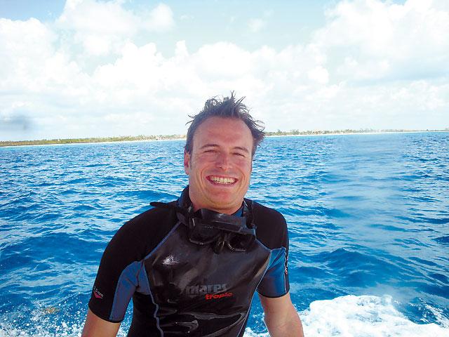 El hombre que bucea con el tiburón blanco australiano