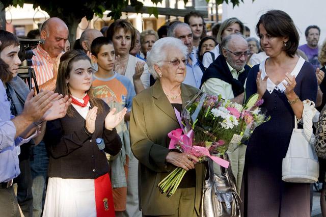 Vecinos de Berriozar y autoridades navarras homenajean a Casanova