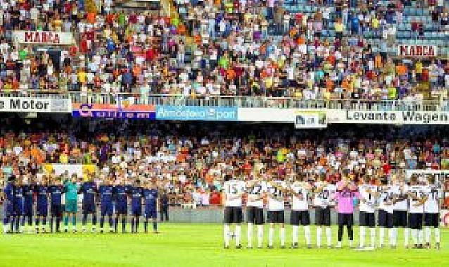 El fútbol, unido en su pésame