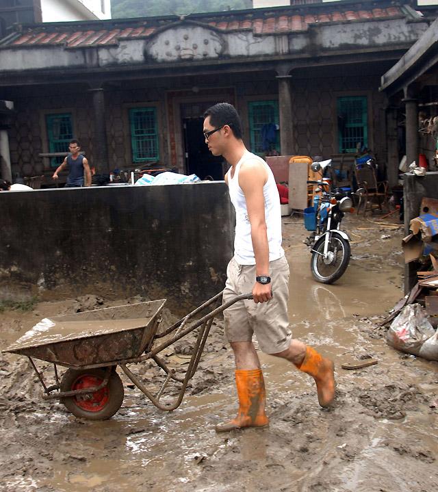 """El tifón """"Morakot"""" arrasa el este de China tras azotar Taiwán"""