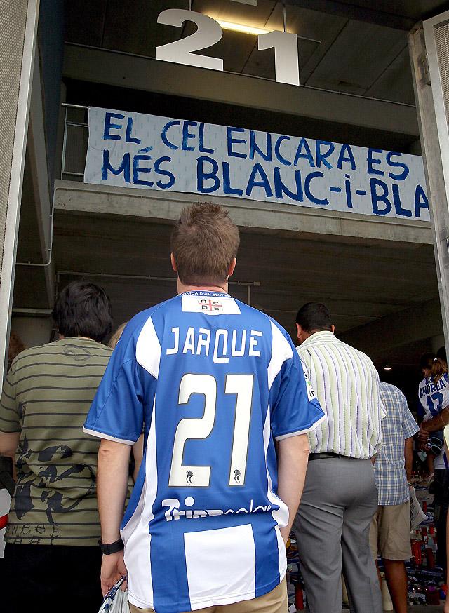 Profesionales e hinchas del fútbol, consternados por la muerte de Jarque