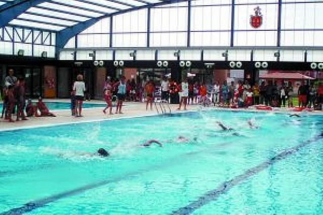 La natación ribera muestra su fuerza