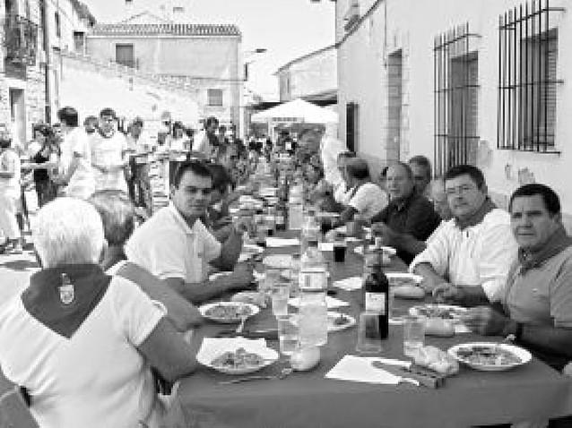 El día más multitudinario de Lazagurría llegó con la pochada popular