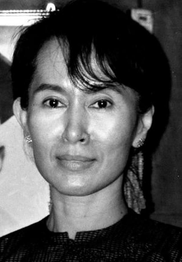 Birmania condena a Suu Kyi a tres años de trabajos forzados por violar su arresto