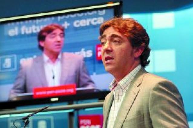 """Roberto Jiménez exige a UPN que esté """"o con el PSN o con el PP"""""""