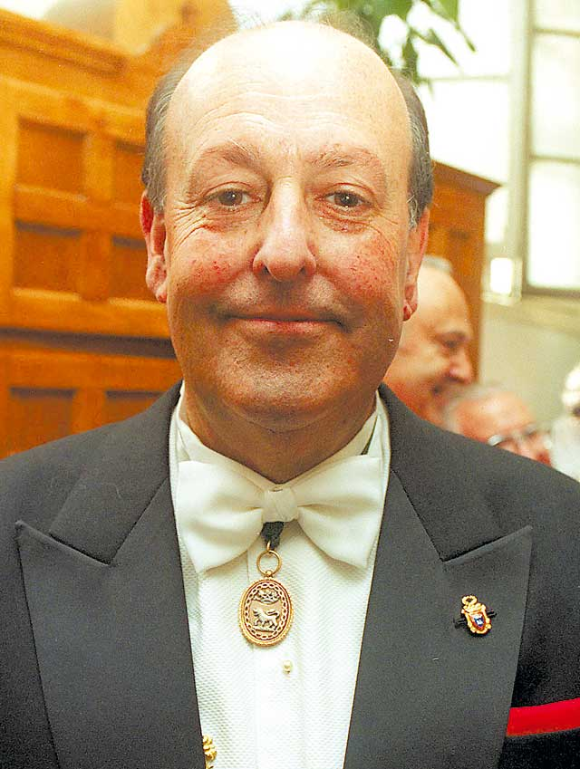 Fallece a los 69 años el ex concejal pamplonés Miguel González Fontana