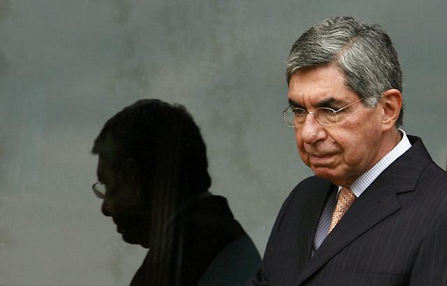 El presidente de Costa Rica, Óscar Arias, contrae la gripe A