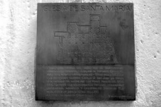 Viana acerca su patrimonio a los turistas con placas explicativas junto a los monumentos