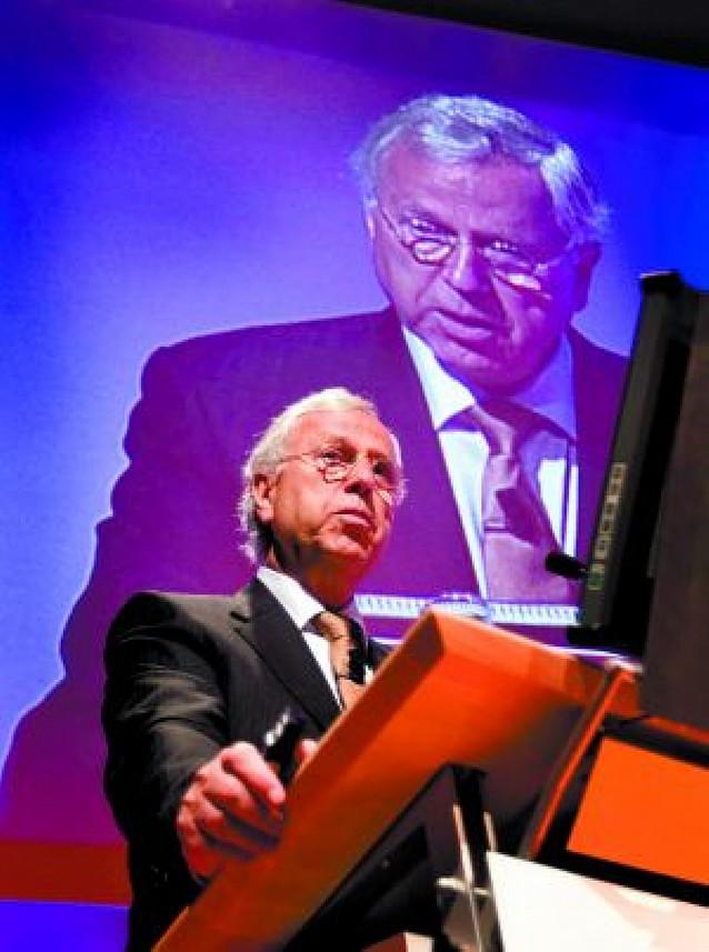 El ex jefe financiero de Madoff se declara culpable de estafa