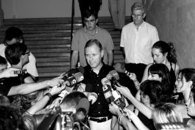 """Blanco pide a Rajoy que se """"relaje"""" y Arenas se queja de una """"persecución dictatorial"""""""