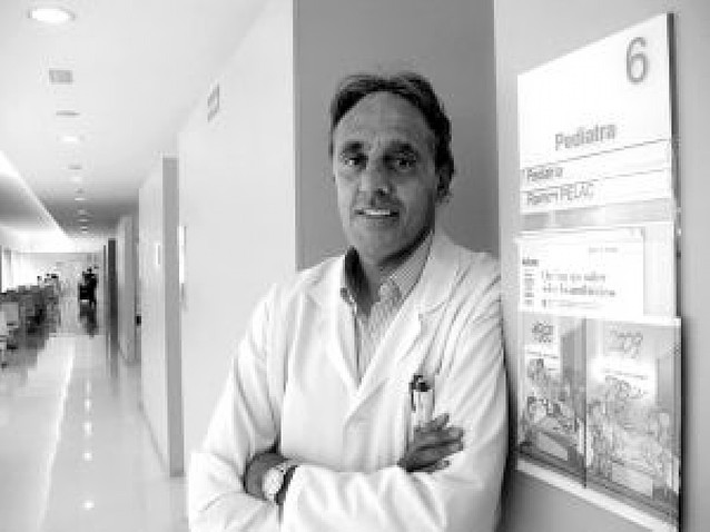 """Raimon Pèlach Pániker: """"La vacuna de la gripe A debería extenderse a todos los menores"""""""