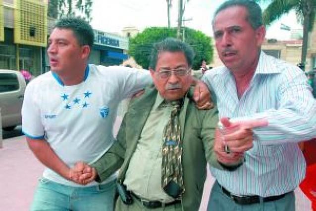 Uribe y Calderón acuerdan incrementar la cooperación policial