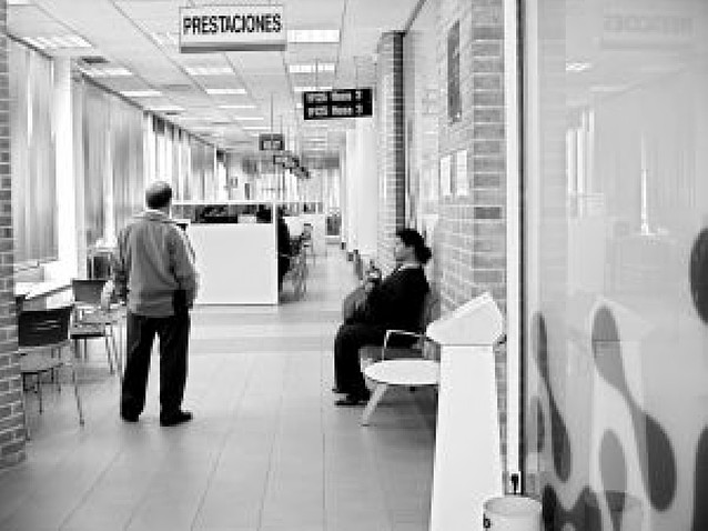Polémica por el retraso en el pago del paro a trabajadores afectados por ERE