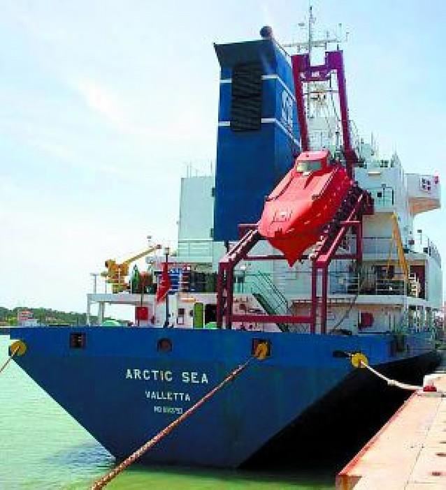 Un carguero finlandés con 15 tripulantes lleva dos semanas en paradero desconocido