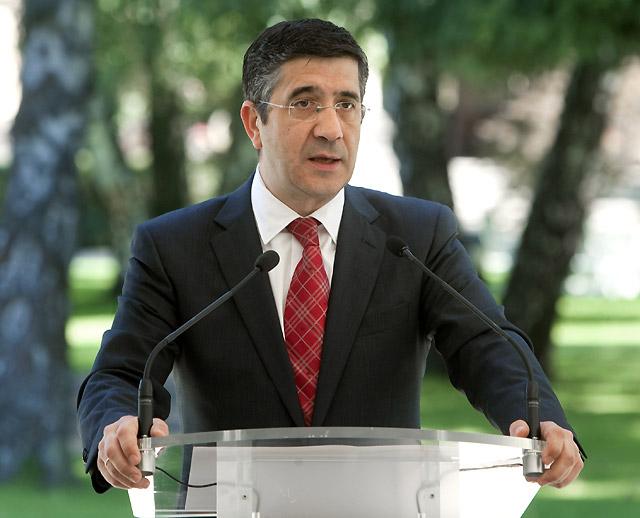 Patxi López dice que el pacto con el PP está 'blindado y aislado' de disputas