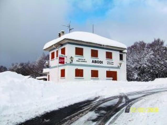 Salazar proyecta construir un nuevo refugio en su centro de esquí de Abodi