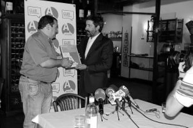 Los Fumadores por la Tolerancia premian al restaurante Mutiloa