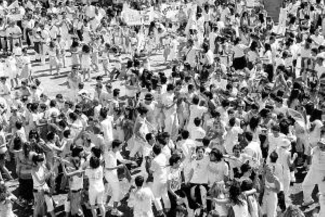 El Ayuntamiento de Falces se estrena con el cohete de fiestas