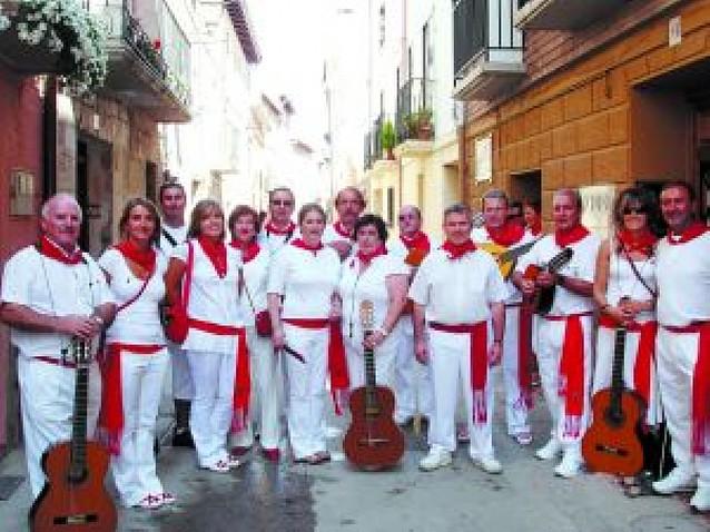 Música, hombros y tradición para los patrones
