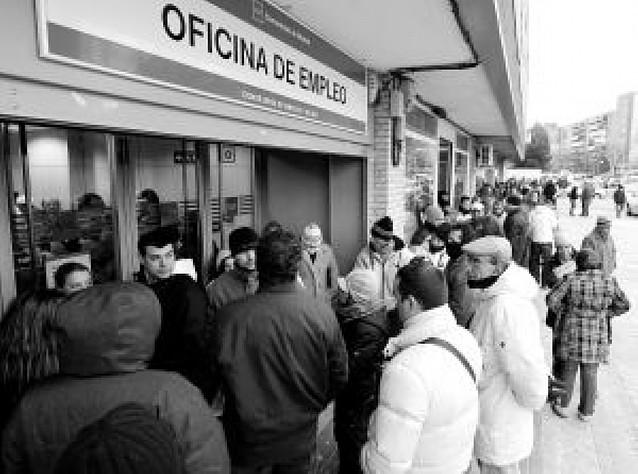 Los parados sin subsidio podrán solicitar la paga de 420 euros a partir de mañana