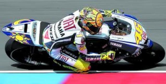 Rossi y Lorenzo se quedan solos