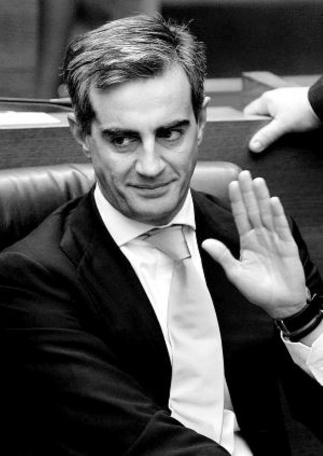 Costa culpa a Zapatero de la persecución al PP