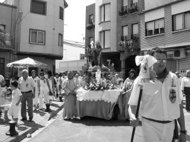 Murchante acompaña a San Roque en su desfile por las calles de la localidad