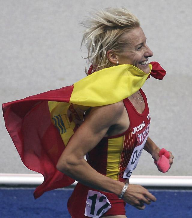 Marta Domínguez conquista el oro en los 3.000 metros obstáculos