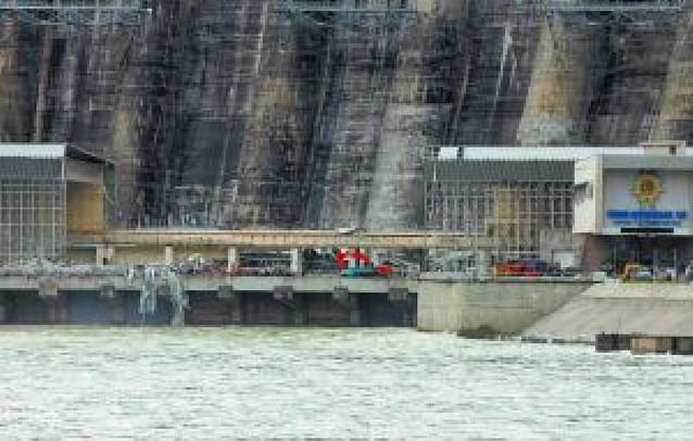 Diez muertos y 72 desaparecidos en un accidente en una hidroeléctrica de Siberia