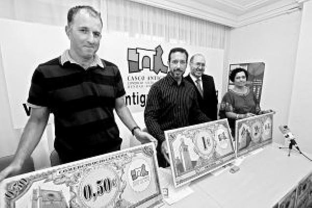 Los comerciantes del Casco Antiguo regalarán 26.000 euros en vales descuento