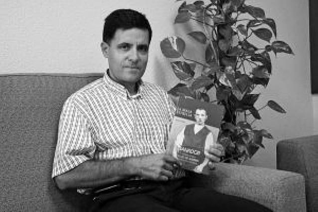 Agustín Tejada, de Castejón, gana un certamen de novela en Almería