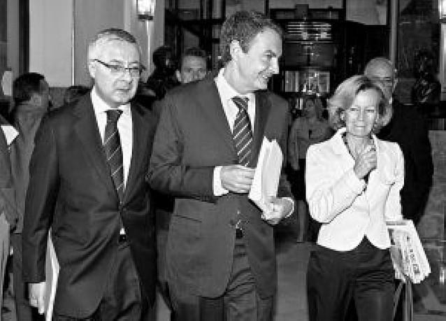 Zapatero defiende la subida de impuestos pero sigue sin concretar las medidas