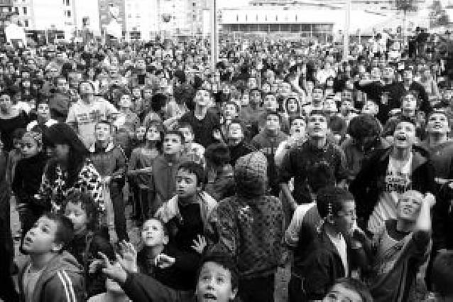 La solidaridad de Cáritas prende el chupinazo