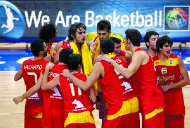 España enamora y apunta al oro
