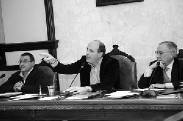 "Navascués tilda de ""pataleta"" que APC deje la Junta de Gobierno"