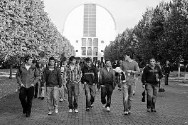 Unos 1.200 nuevos alumnos iniciaron el curso en la UPNA