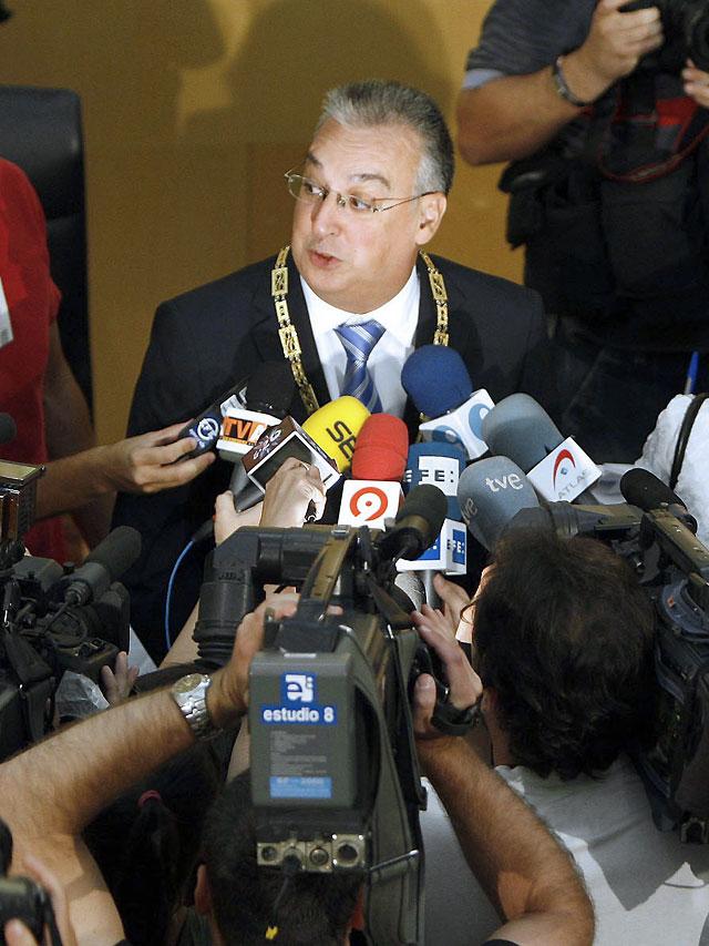 Aprobada la moción de censura contra el alcalde de Benidorm