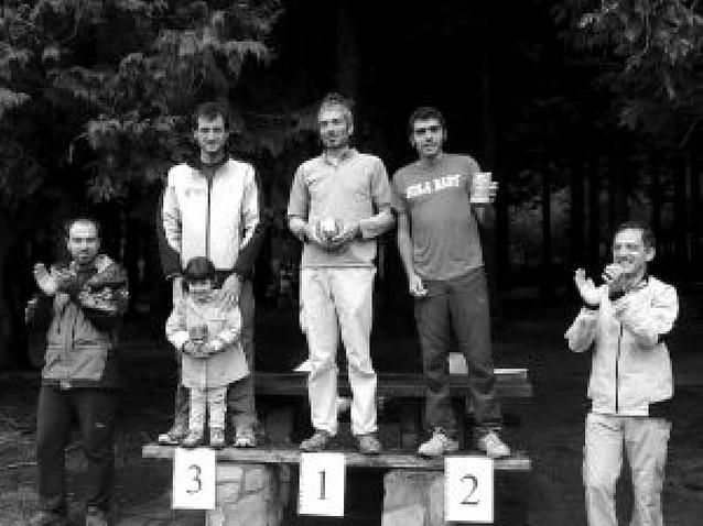 Triple podio navarro en una carrera en Barazar