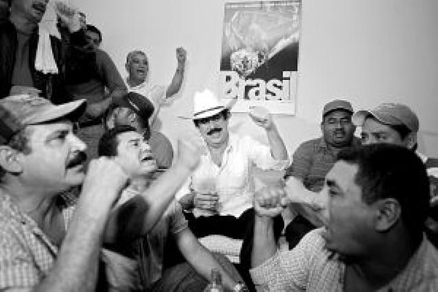 Un muerto y decenas de heridos en los disturbios de Tegucigalpa
