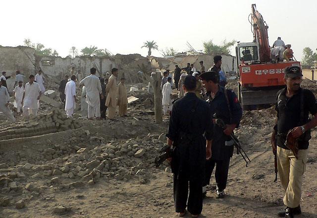 Dos atentados causan al menos 13 muertos en Pakistán