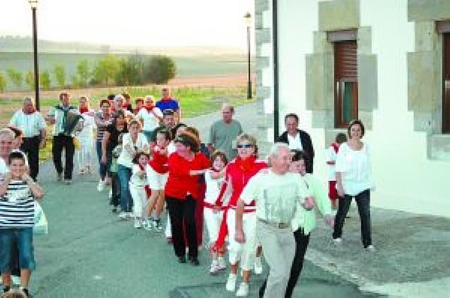 La comida popular de Barbatáin reunió a más de 100 personas