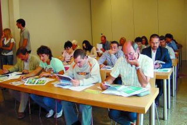 Unos 20 alumnos participan en un curso de bioenergía del Aula de la UNED