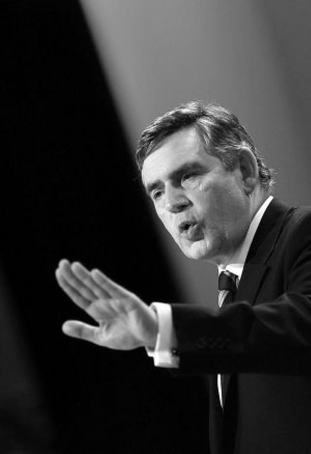 """Gordon Brown alerta a los británicos de una posible vuelta al """"tatcherismo"""""""